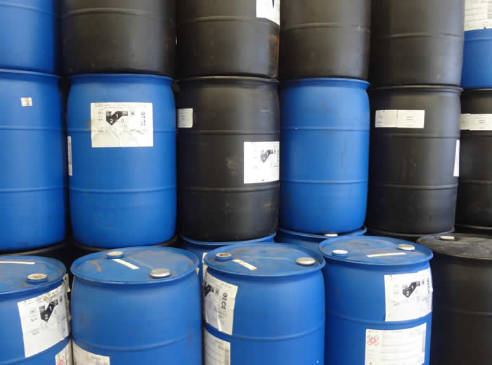 Envases pl sticos reacondicionados de 100 a 200 litros for Tambores para agua